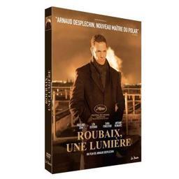 Roubaix, une lumière / Arnaud Desplechin, réalisateur et scénariste   Desplechin, Arnaud (1960-) - réalisateur et scénariste français. Metteur en scène ou réalisateur. Scénariste